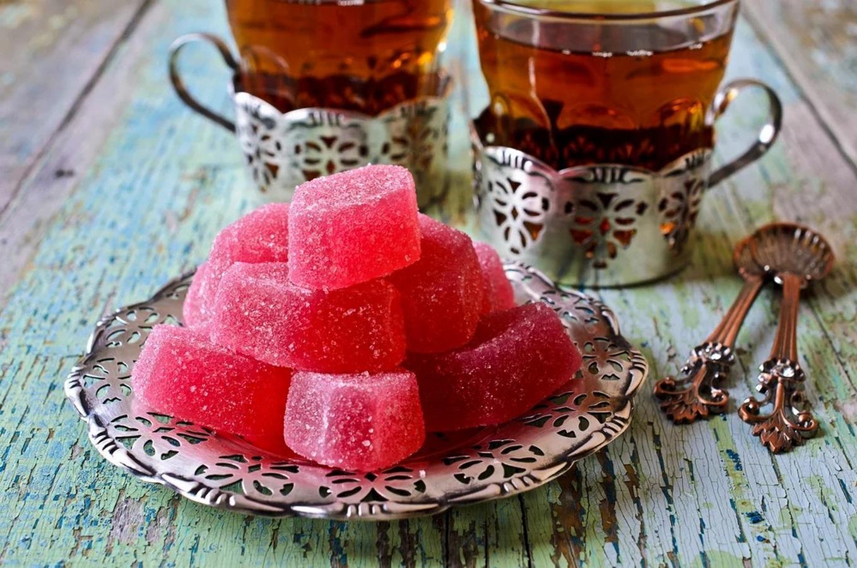 можете подать мармелад к чаю на столе фото дедушке-рамка